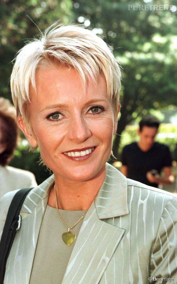 Sophie davant la coupe courte la plus c l bre du paf de 1990 maintenant - Coupe boule femme 50 ans ...