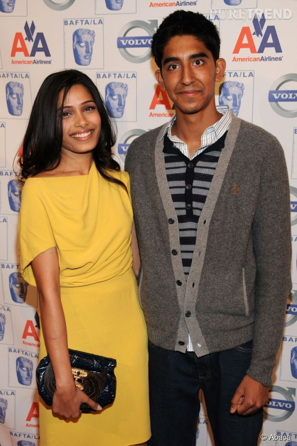 """En pleine promotion de """"Slumdog Millionaire"""" de Danny Boyle, Freida Pinto et Dev Patel ne se cachent plus et affichent leur amour au grand jour."""