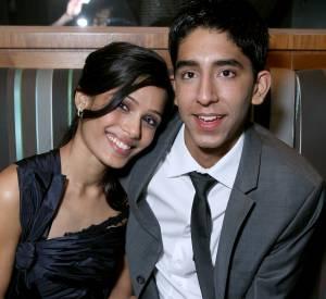 En septembre 2008, Freida Pinto et Dev Patel affichent leur complicité au Festival International du Film de Toronto, mais ne sont pas encore en couple.