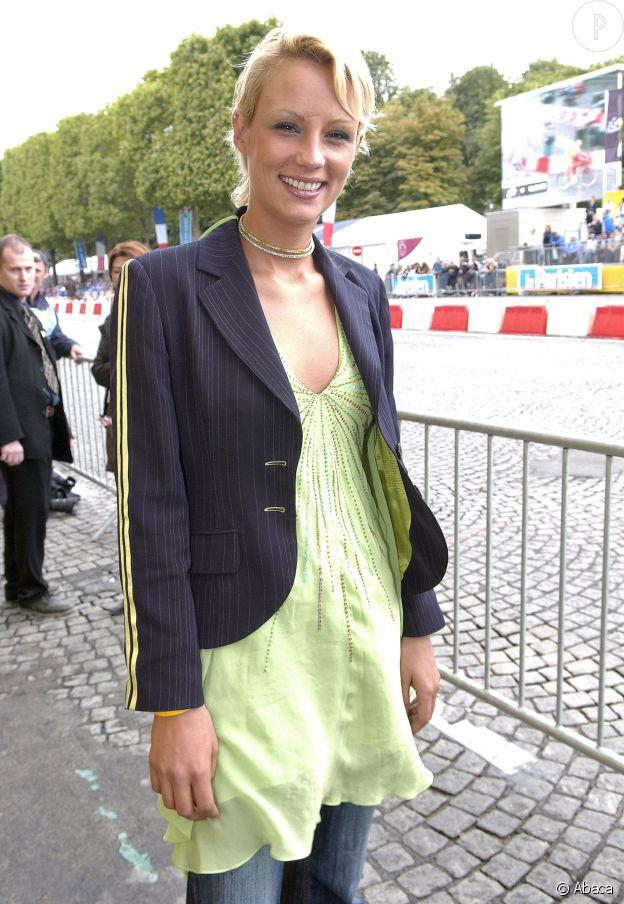 En 2005, Elodie Gossuin passe au court !