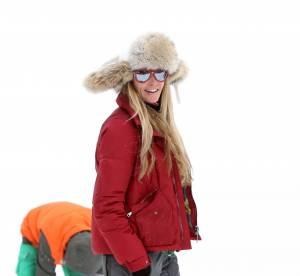 Elle Macpherson aussi stylée en bikini qu'en tenue de ski... on la copie !