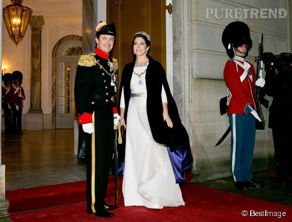 Mary du Danemark et son mari, le prince Frederik, au banquet donné au château d'Amalienborg, à Copenhague.
