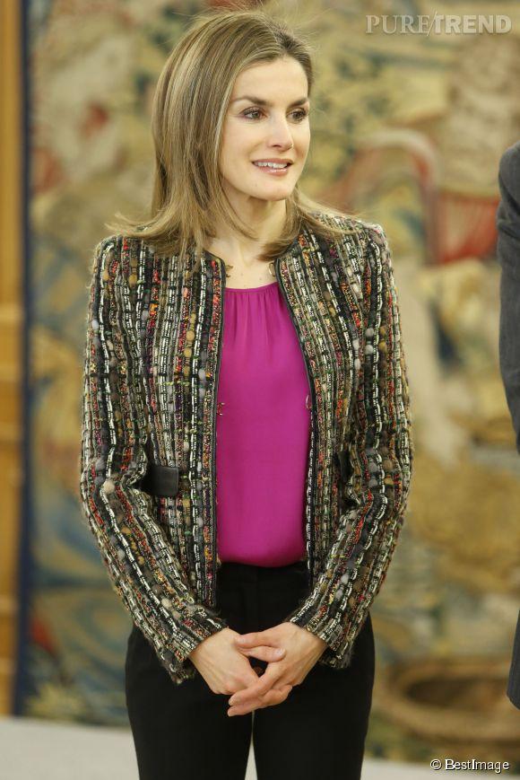 Letizia d'Espagne, souriante et élégante pour assister son mari le roi Felipe lors d'une audience.