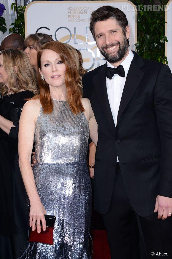 Julianne Moore brillante à souhait aux côtés de Bart Freundlich aux Golden Globes 2015 le 11 janvier.