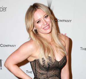 Hilary Duff : alerte accident de robe aux Golden Globes !