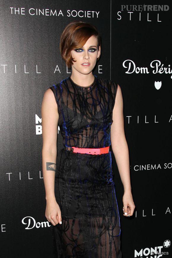 """Kristen Stewart en robe transparente sur le tapis rouge pour """"Still Alice""""."""