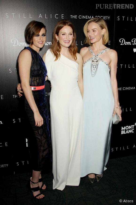 """Kristen Stewart aux côtés d'une partie du casting de """"Still Alice"""" : Julianne Moore et Kate Bosworth."""