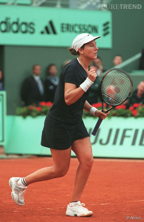 Monica Seles a été la plus jeune numéro un mondial (elle n'avait que dix-sept ans lorsqu'elle a atteint cette place).