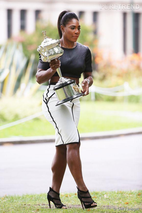 Serena Williams avec son 19ème trophée du Grand Chelem.