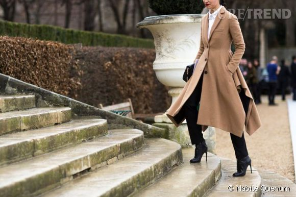 La silhouette classique et féminine de Caroline Issa.