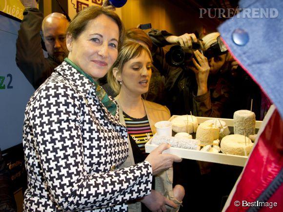 Ségolène Royal a apprécié les fromages de chèvre du salon de l'agriculture.
