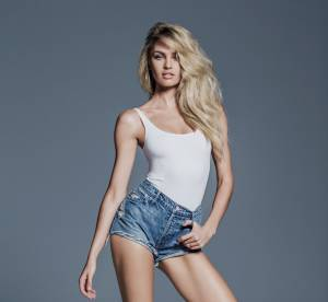 Candice Swanepoel x Mother : ambiance 90's pour collab must-have