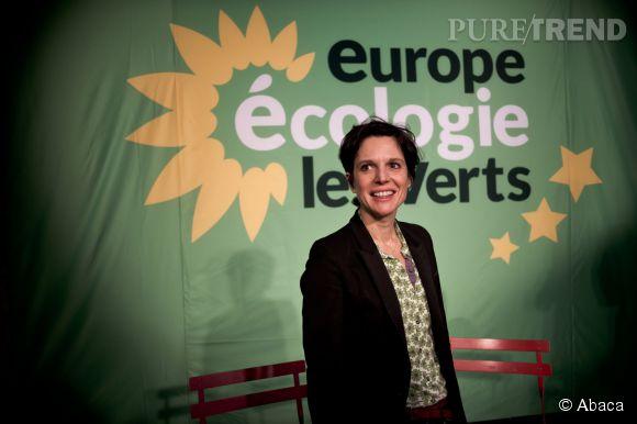 """Sandrine Rousseau, porte-parole nationale d'Europe Ecologie-Les Verts, publie un """"Manuel de survie à destination des femmes en politique"""" aux éditions Les Petits Matins."""