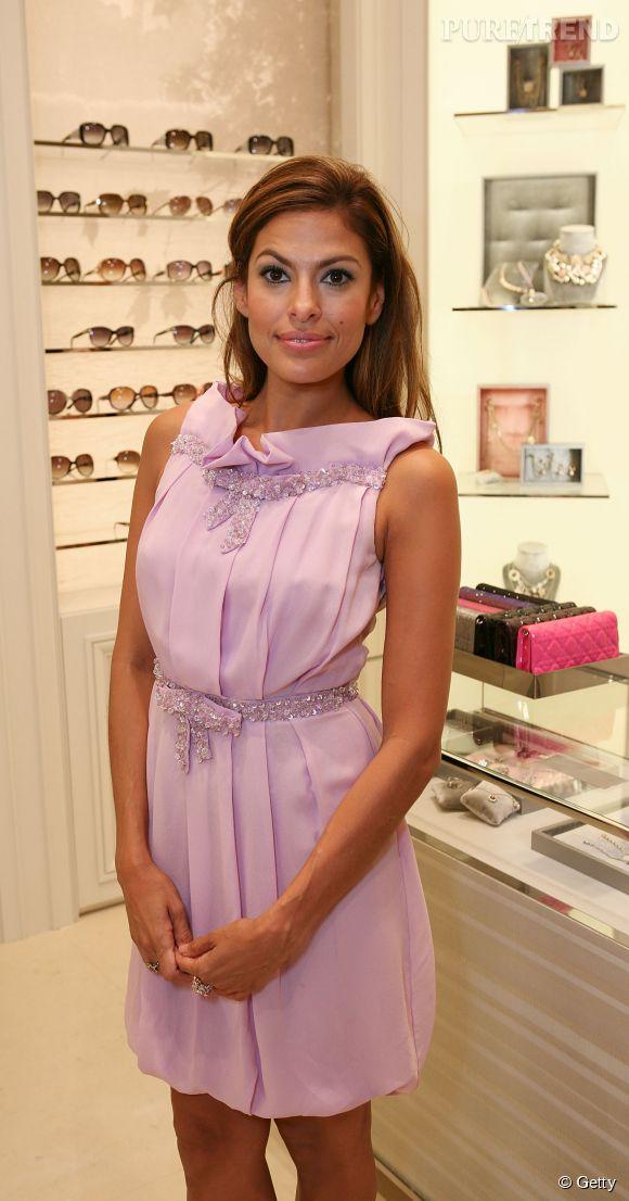 Eva Mendes est un vrai bonbon pour fêter l'ouverture d'une boutique Dior.