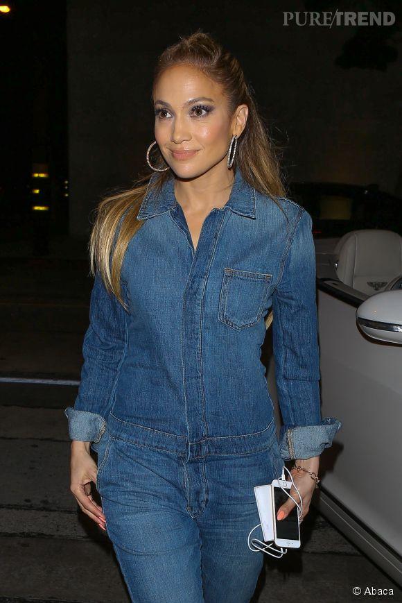 Jennifer Lopez de sortie à Los Angeles le 12 mars 2015.
