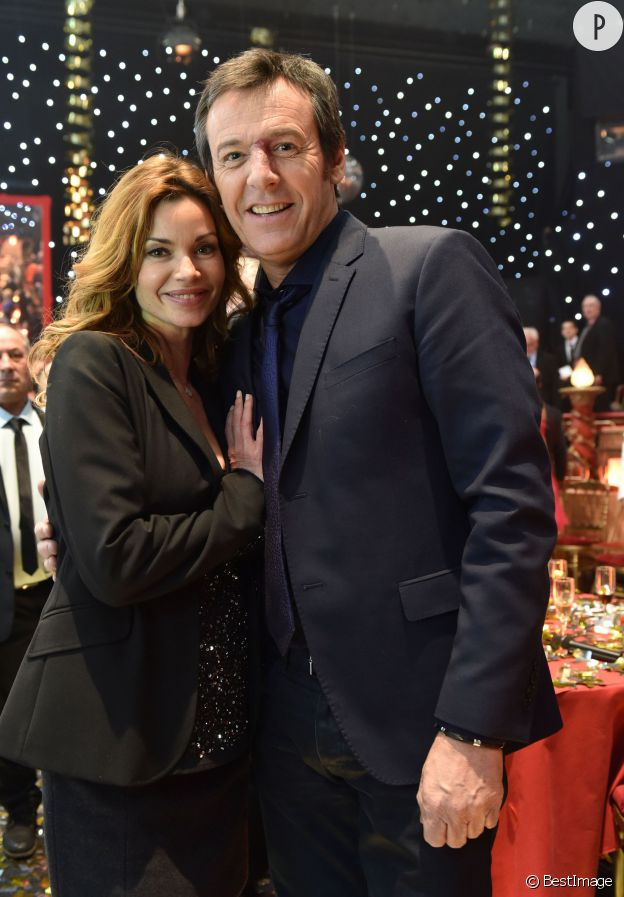 """Ingrid Chauvin et Jean-Luc Reichmann sur le plateau du """"Plus Grand Cabaret du monde"""" sur France 2."""
