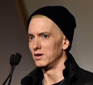Eminem est apparu le visage déformé lors d'une soirée de remise de prix à New York le 5 novembre 2014.