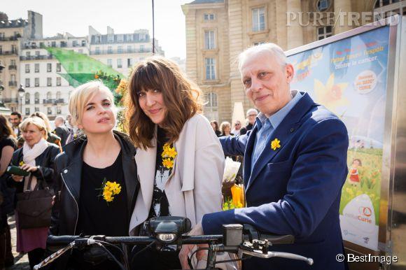 """Cécile Cassel et Daphné Bürki au lancement de la 11ème édition de l'opération """"Une Jonquille pour Curie"""", ce mercredi 18 mars 2015."""