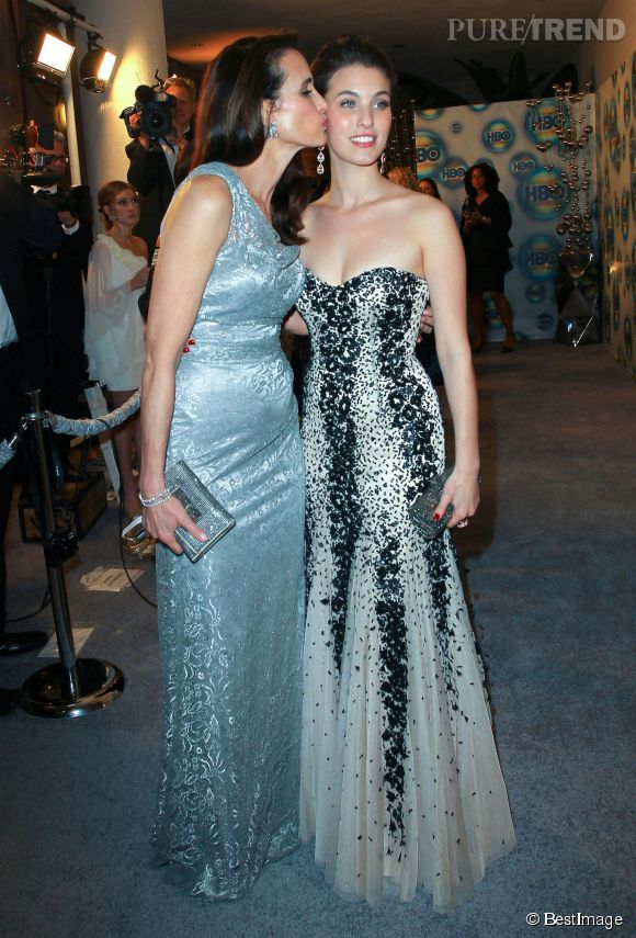 Andie MacDowell et Rainey Qualley lors de l'after party des Golden Globes de 2012.