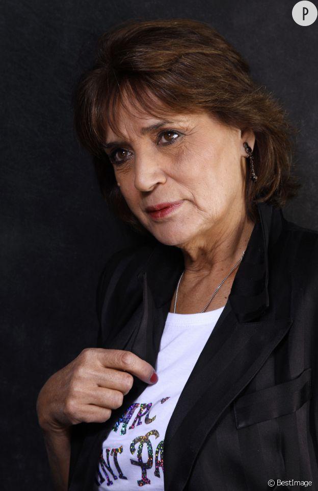 Linda de Suza, une chanteuse aujourd'hui ruinée.