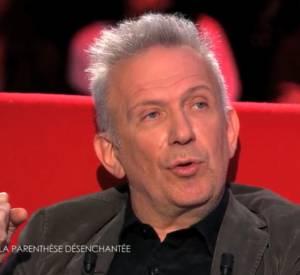 Jean Paul Gaultier parle du décès de son premier amour sur le divan de Marc Olivier Fogiel sur France 3.
