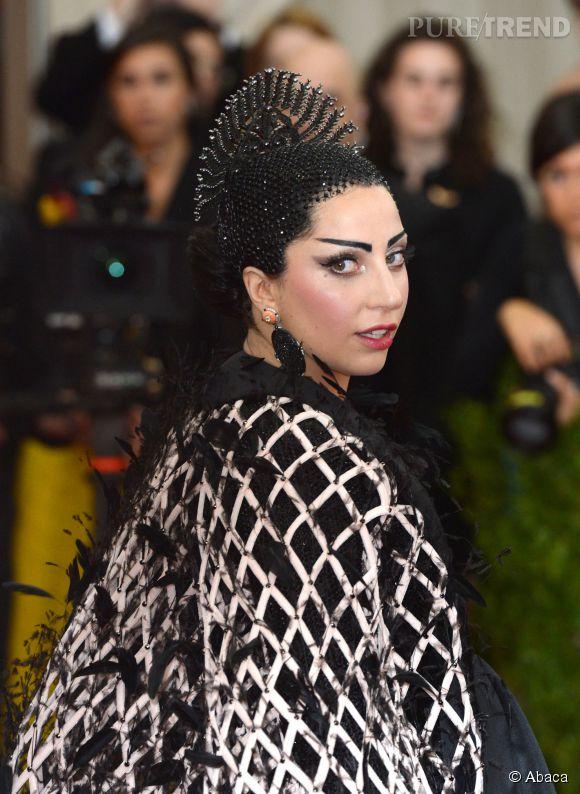 Lady Gaga parée par Fred Leighton au MET Ball 2015.