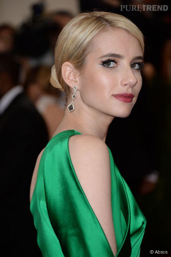 Emma Roberts porte des boucles d'oreilles Monique Péan au MET Ball 2015.