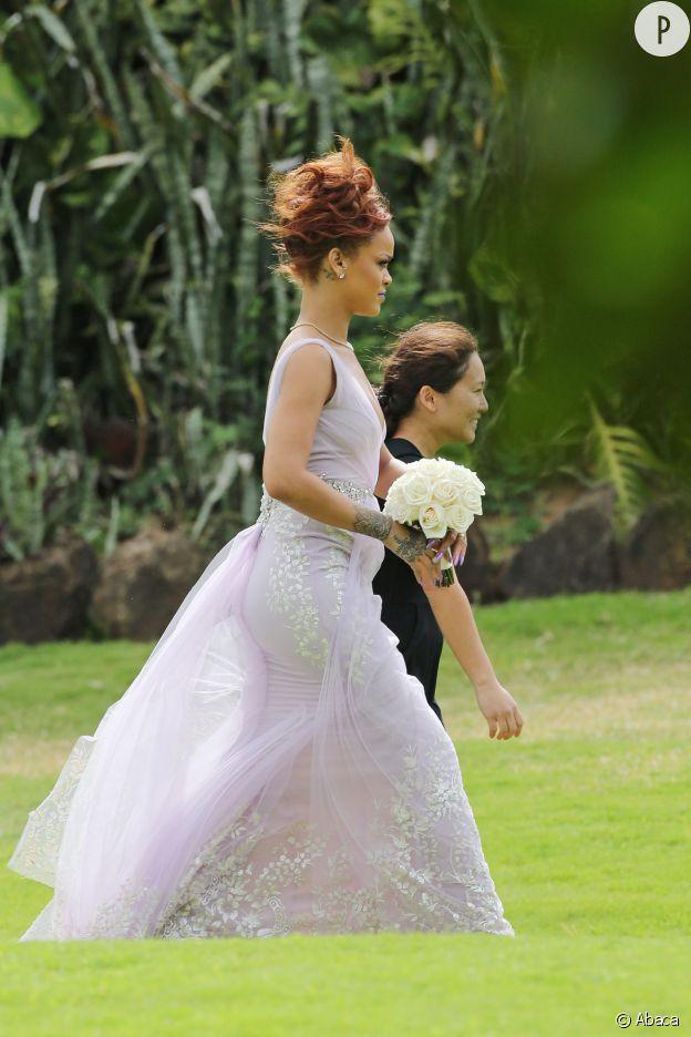 Rihanna ne passe certainement pas inaperçue à Honolulu le 20 avril 2015.
