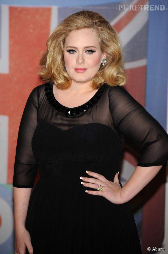Adele s'est déguisée en George Michael pour son anniversaire.