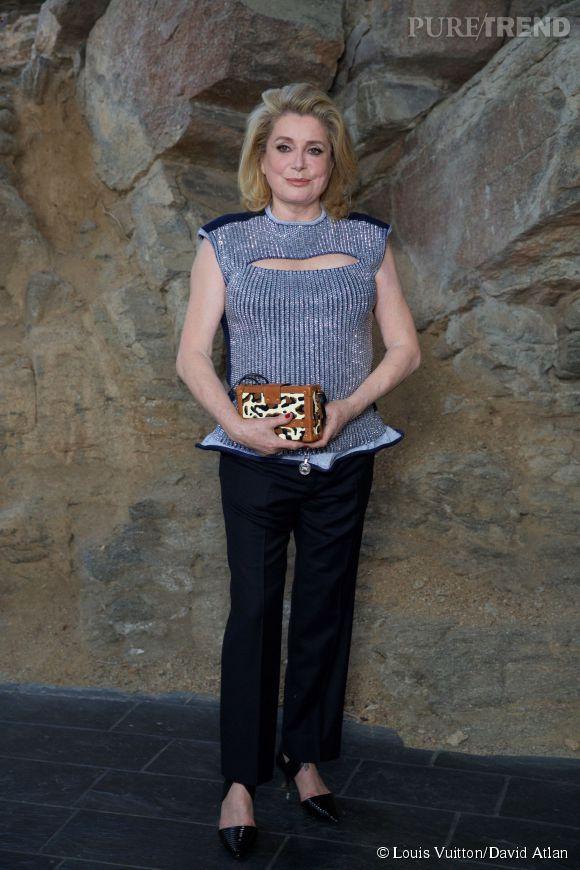Catherine Deneuve au défilé Louis Vuitton Croisière2016à Palm Springs le 6 mai 2015.