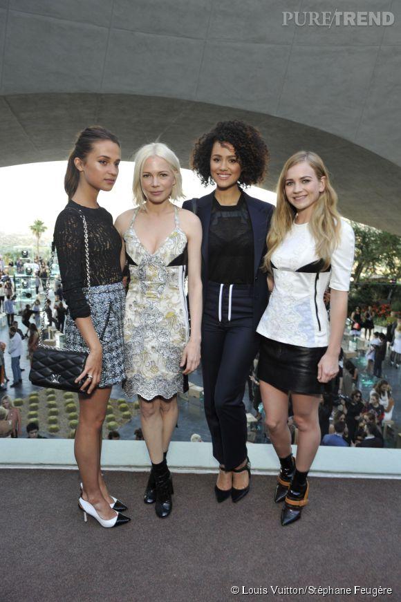 Alicia Vikander, Michelle Williams, Nathalie Emmanuel et Britt Robertson au défilé Louis Vuitton Croisière 2016 le 6 mai 2015 à Palm Springs.