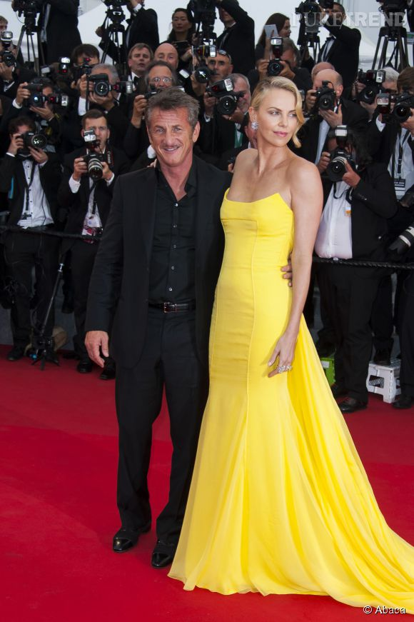 Sean Penn, compagnon de Charlize Theron, est ami avec Brad Pitt depuis des années.