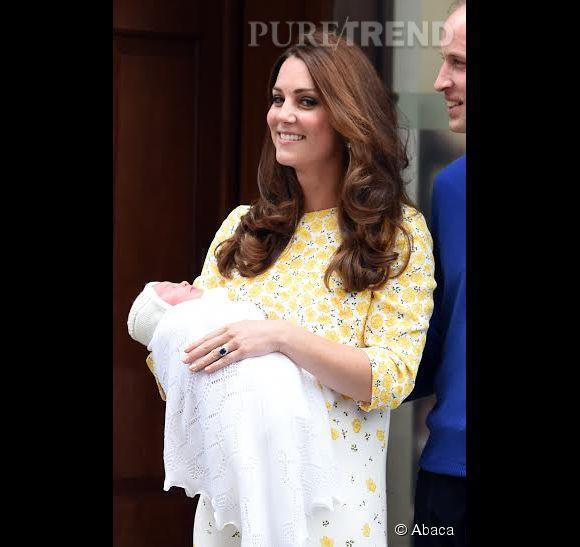 Kate Middleton aimerait rester tranquille et en congés jusque septembre. Pour la reine, il en est hors de question.
