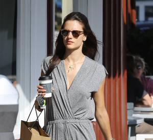 Alessandra Ambrosio : La combinaison estivale... A shopper!