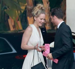 Jennifer Lawrence : en soirée avec toute sa famille dans un hôtel de luxe
