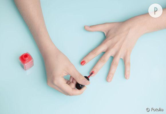 Le nouveau job de rêve : testeuse de vernis à ongles.