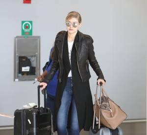 Gigi Hadid : stylée en jean baskets pour prendre l'avion, le bon look à copier