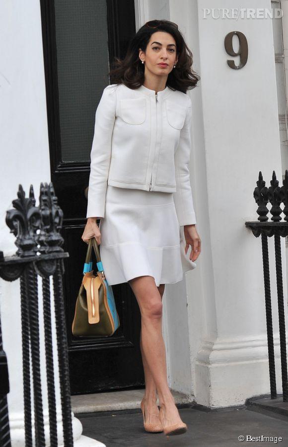 Amal Clooney dans les rues de Londres le 24 juin 2015.