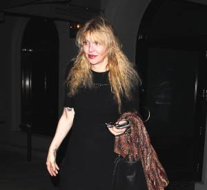 Courtney Love, victime du conflit entre taxis et Uber.