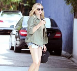 Chloë Moretz, short coupé maison et baskets pour un été casual... A shopper!