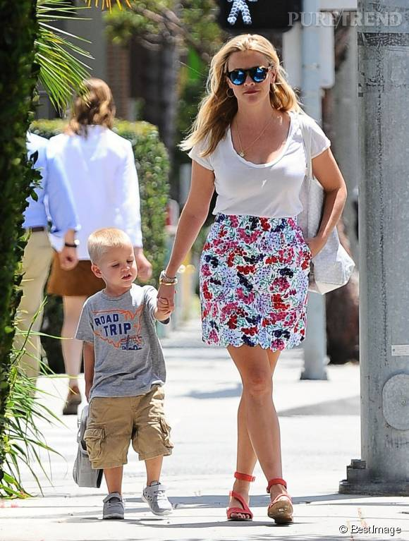 Reese Witherspoon et sa jolie jupette fleurie.