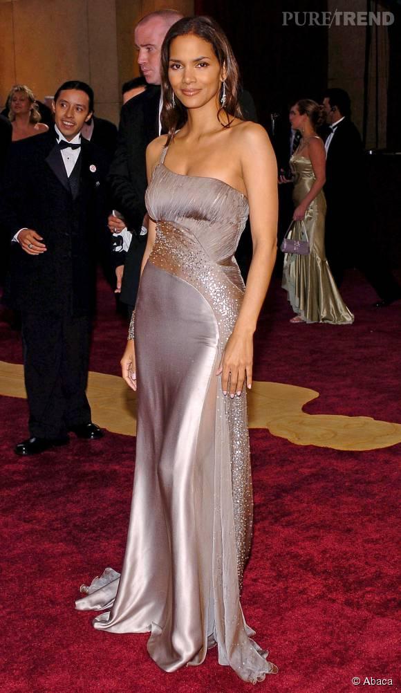 Halle Berry joue les déesses grecques le temps d'une soirée...