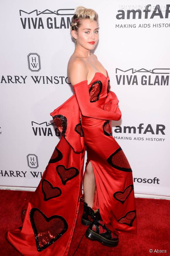 Miley Cyrus, chic et classe pour  Marie Claire .