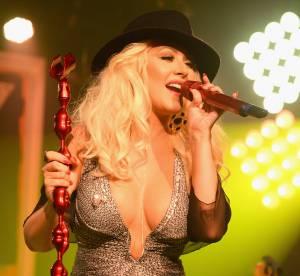 Christina Aguilera dévoile un décolleté gonflé à bloc