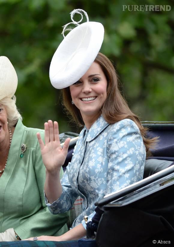 Kate Middleton, sa soeur prend sa place au bras de son mari.