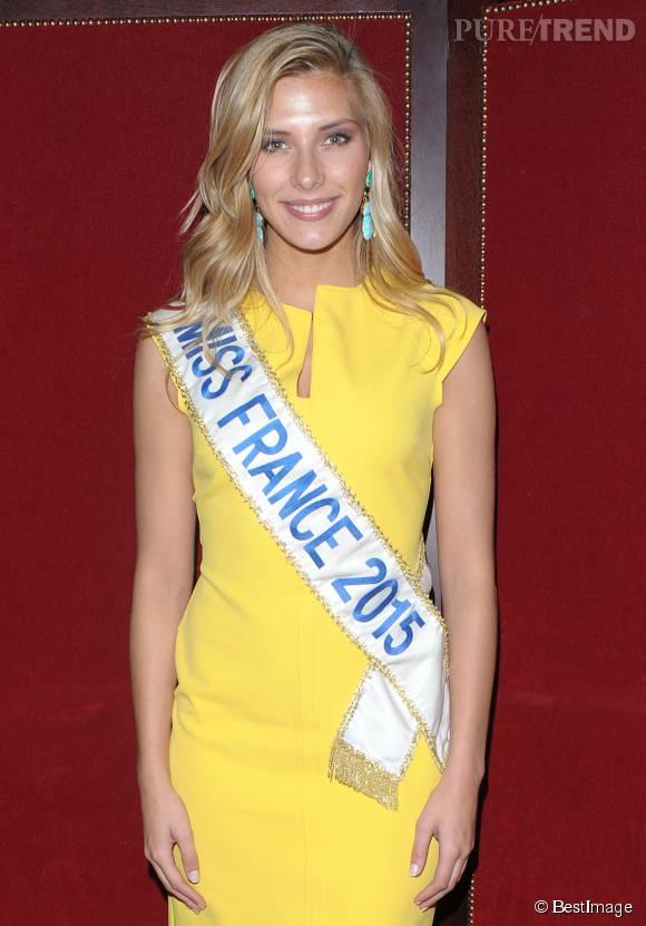 Camille Cerf, une Miss France rayonnante et adepte du jaune flashy.