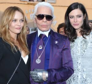 Karl Lagerfeld entouré d'icônes mode : Vanessa Paradis et Anna Mouglalis.
