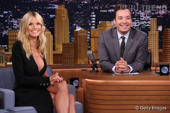 Heidi Klum fait tourner les têtes sur le plateau de Jimmy Fallon le 19 août 2015.