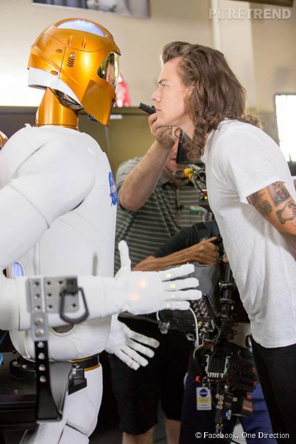 Harry Styles a fait la rencontre d'un robot humanoïde.