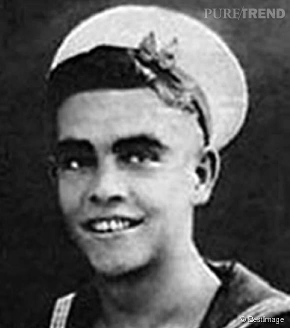 Sean Connery, engagé dans la marine britannique.